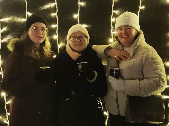 Calderdale Mum With Ovarian Cancer Reveals Daughters Diagnosis Fears As Part Of Campaign Halifax Courier