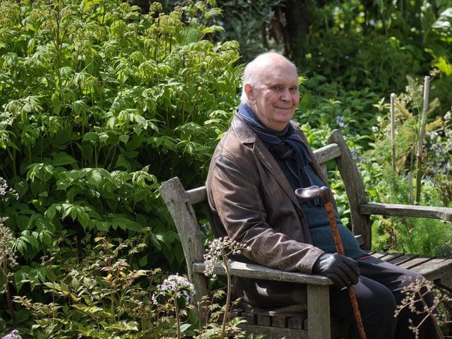 Alan Ayckbourn  has recorded his classic play Haunting Julia