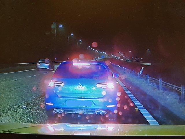 Motorway officer feared for life after driver stopped in lane three on busy M62  @WYP_PCWILLIS