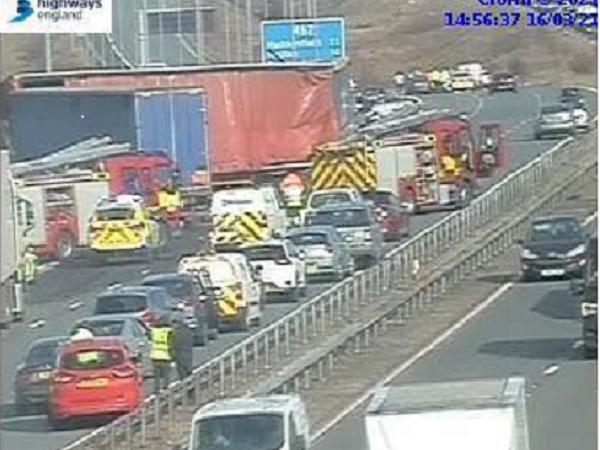 Scene of the crash on the M62 (Highways England)