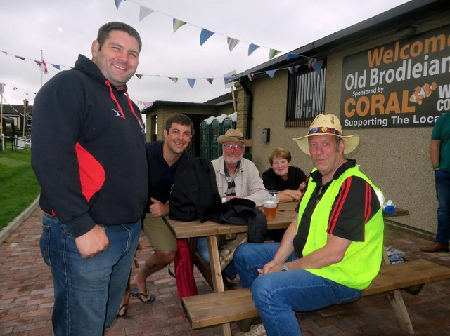 Volunteers at Old Brodleians RUFC