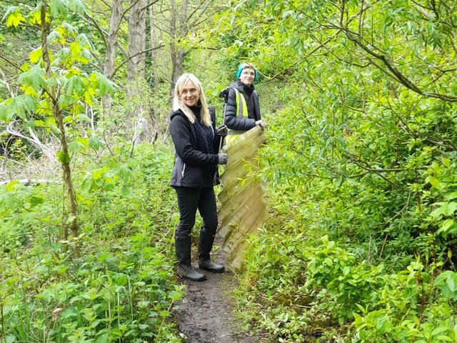 Volunteers lend a hand to clean up by Elland riverside