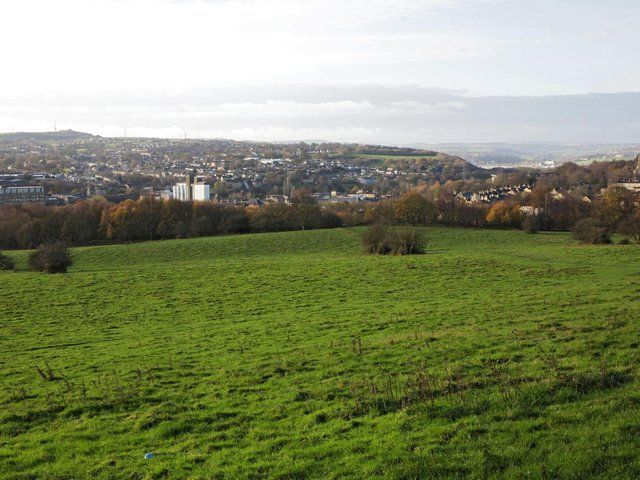 Thornhills Lane, looking out over Brighouse