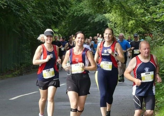 Stainland Lions at the Harrogate 10k - Diane Thornley, Helen Shenton, Wendy Paulson and Graham Robertshaw