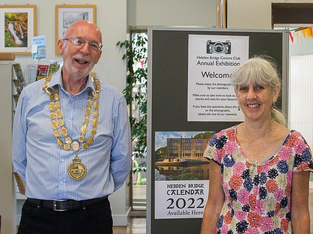 Mayor of Hebden Royd, Coun Rob Freeth opening the exhibition
